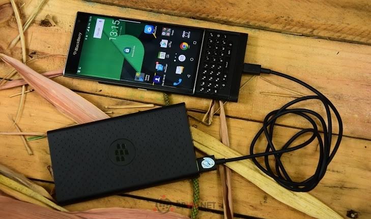 Blackberry bán pin sạc dự phòng MP-12600 - Dung lượng khủng